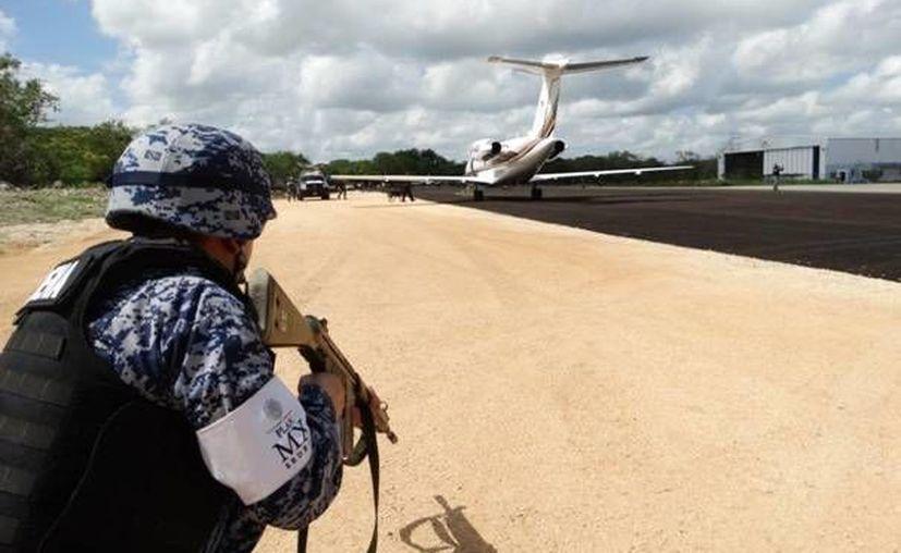 El simulacro de este miércoles coloca al Aeropuerto de Mérida como un ejemplo internacional para la aviación, ya que es la primera vez que se realiza a escala real en una terminal aérea, con una coordinación y flujo de información en tiempo real. (Asur)