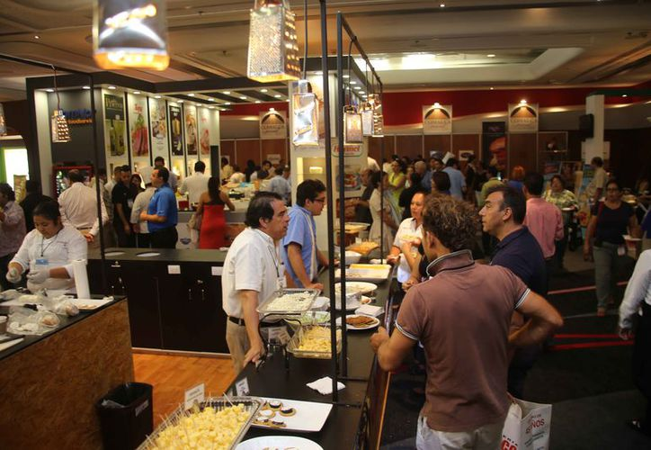 Actualmente el evento cuenta con 400 proveedores. (Jesús Tijerina/SIPSE)