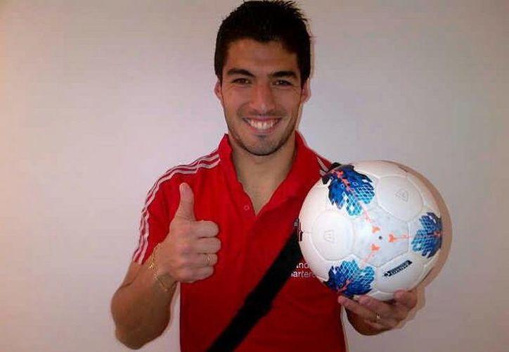 Luis Suárez indicó que dejó ir varias oportunidades por ser leal al Liverpool. (Facebook oficial)