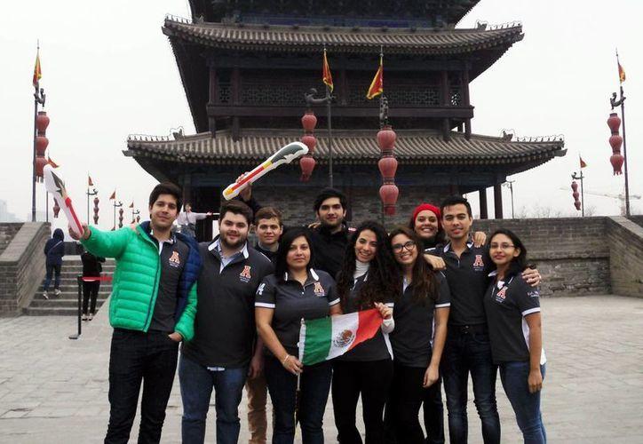 Los alumnos durante su vista al país asiático. (Milenio Novedades)