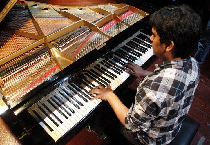 El panista Luis Carlos Juárez también regresa a Yucatán para grabar su primer disco. (SIPSE)