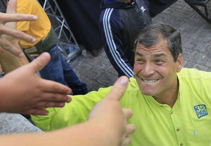 Correa ha sido igual de intolerante que Chávez con los disidentes, a quienes ha perseguido. (Agencias)