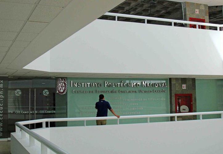 El curso tendrá un costo de recuperación, que la institución estableció previamente. (Tomás Álvarez/SIPSE)