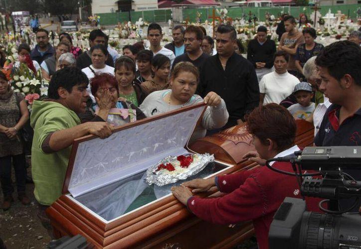 Imagen del funeral de Eunice Rosalía Monterrubio Enríquez, quien falleció en la estampida. (twitter.com/Siete24Noticias)