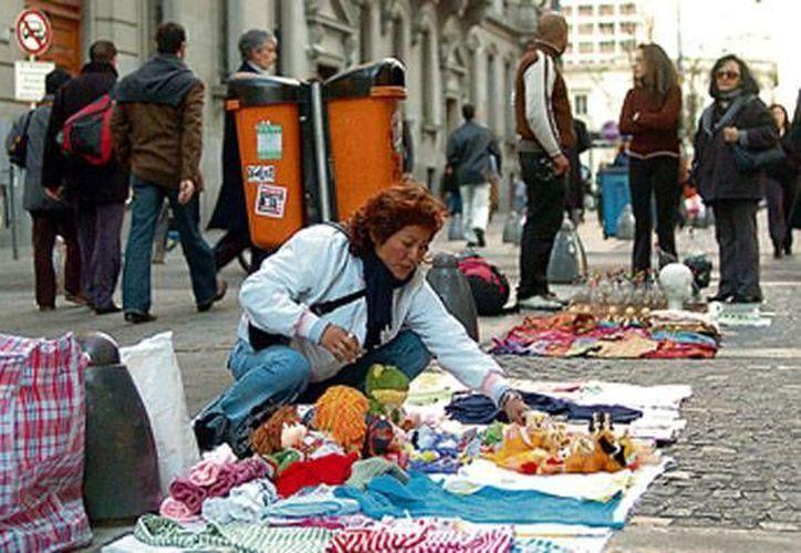 La firma del convenio ayudará a regular el mercado laboral conforme a estándares internacionales. (fmcapitalsalta.com/Archivo)