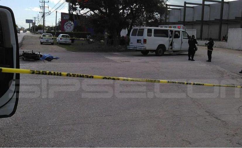 El conductor de la camioneta fue detenido por la Policía Municipal. (Orville Peralta/ SIPSE)