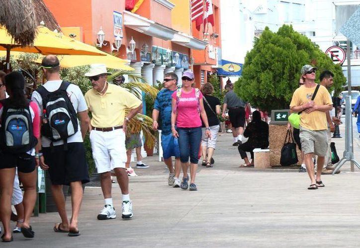 Las empresas que proporcionan el servicio de transportación en Cozumel no dan la opción de reservar vehículos. (Irving Canul/SIPSE)