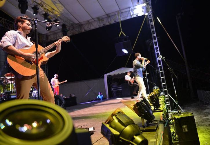 Jesús, Julio y Gilberto deleitaron a los cozumeleños con un concierto que será recordado como uno de los mejores. (Gustavo Villegas/SIPSE)