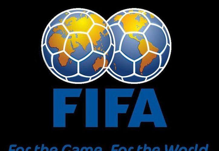 """De acuerdo con la FIFA, el registro de los casos de muerte súbita permitiría adoptar """"medidas preventivas para mejorar aún más el diagnóstico temprano de enfermedades cardiacas no detectadas"""". (Agencias)"""