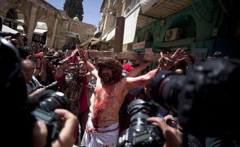 Aspecto de la representación de la crucifixión de Jesucristo, en la ciudad vieja de Jerusalén, este Viernes Santo. (AP)