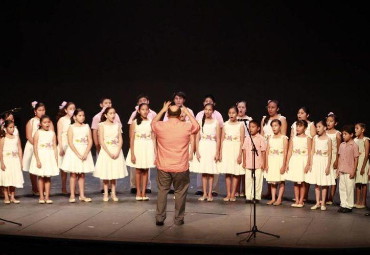 En la reunión participaron los Niños Cantores de Yucatán. (Christian Ayala/SIPSE)
