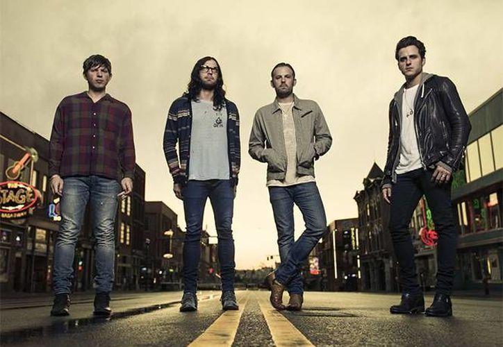 El nuevo álbum de la agrupación contará con diez temas nuevos. En 2013, sacaron a la venta su último disco de estudio.(Foto tomada de Facebook/Kings of Leon)