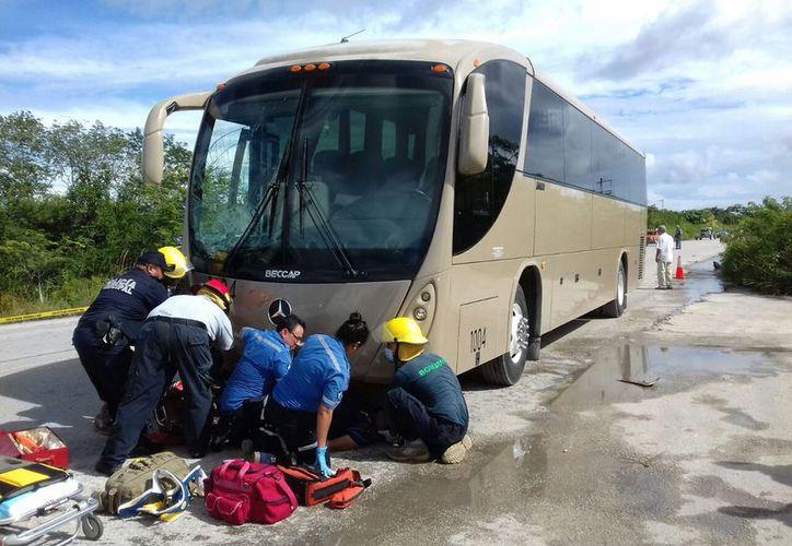 Aspecto del accidente del 13 de noviembre en la misma vía a Mahahual. (Javier Ortiz/SIPSE)