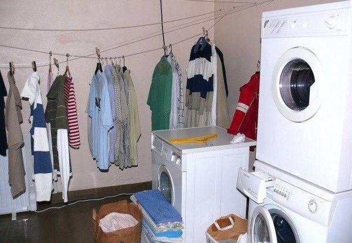 En la avenida La Luna hay de 10, 12 y hasta 15 pesos, sólo lavado. (Tomás Álvarez/SIPSE)