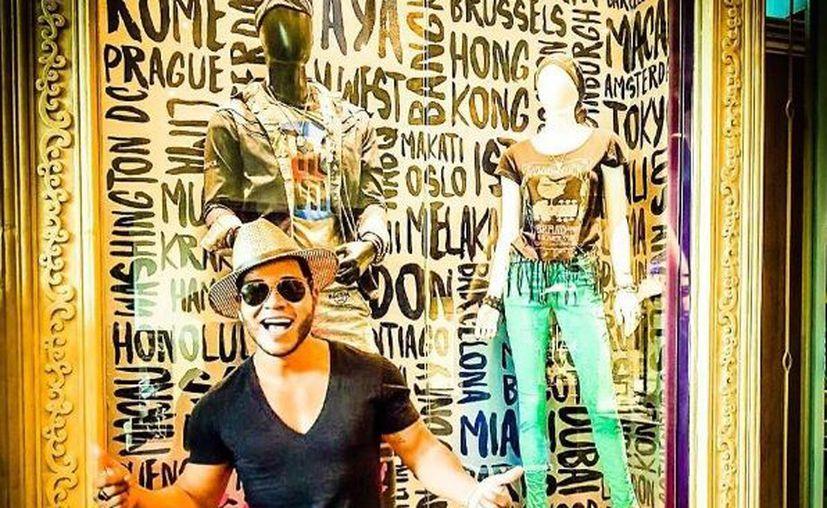 El cantautor se presentó en un exclusivo hotel de la Riviera Maya. (Instagram)