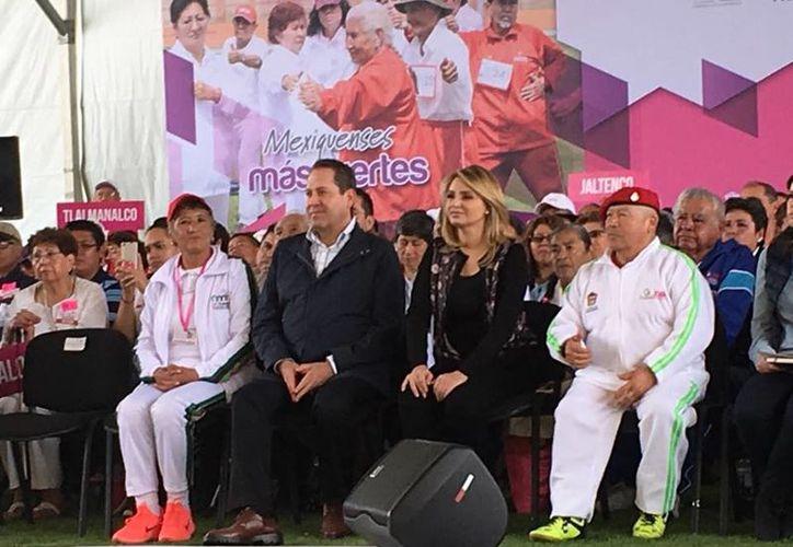 La esposa del Presidente visitó el Estado de México para entregar diversos apoyos. (Eruviel Ávila/Facebook)
