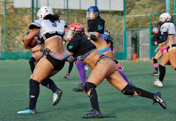 Las sureñas se impusieron con 21-14 al conjunto del Sur (Foto: Ángel Villegas)