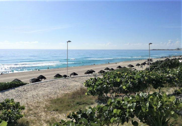 Los destinos turísticos de Quintana Roo se mantienen sin restricciones de viaje emitidas por el Departamento de Estado de Estados Unidos. (Sergio Orozco/SIPSE)
