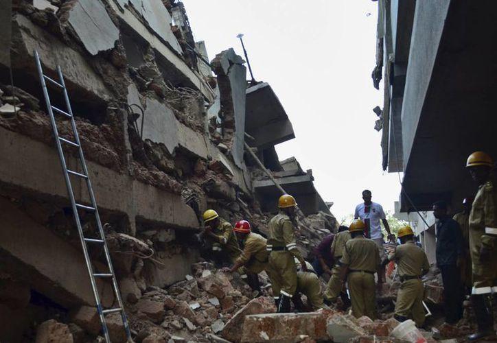 El derrumbe del edificio se produjo en la ciudad de Canacona, estado de Goa, a unos 70 kilómetros (44 millas) al sur de Panaji, la capital local. (Agencias)