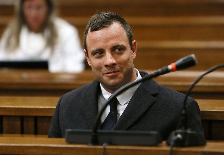 Pistorius podría ser condenado a 25 años de cárcel si se le halla culpable de homicidio premeditado contra su novia. (Foto: AP)