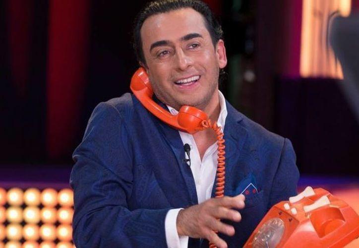 Adal Ramones, pidió más apoyo para su programa por parte de Televisa, esto ante la propuesta por parte de sus ejecutivos de convertir a 'Adal, el show' en un programa semanal. (Archivo televisa.com)