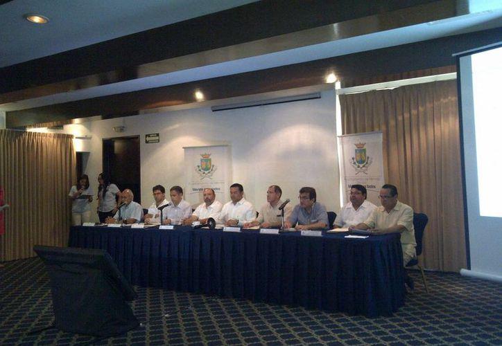 El Consejo Ciudadano para Vigilar el Proceso de Adquisición de Luminarias dieron el resultado del concurso. (SIPSE)