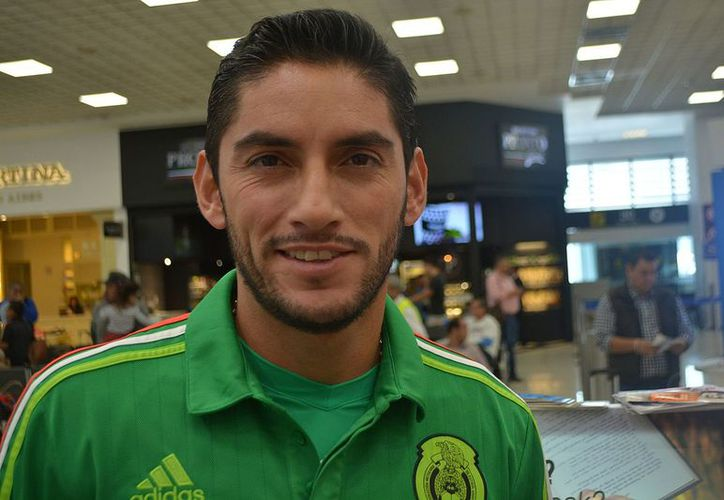 Jesús Corona se le adelantó a la FMF y mostró por accidente el nuevo jersey del Tri. (Contexto/Internet).