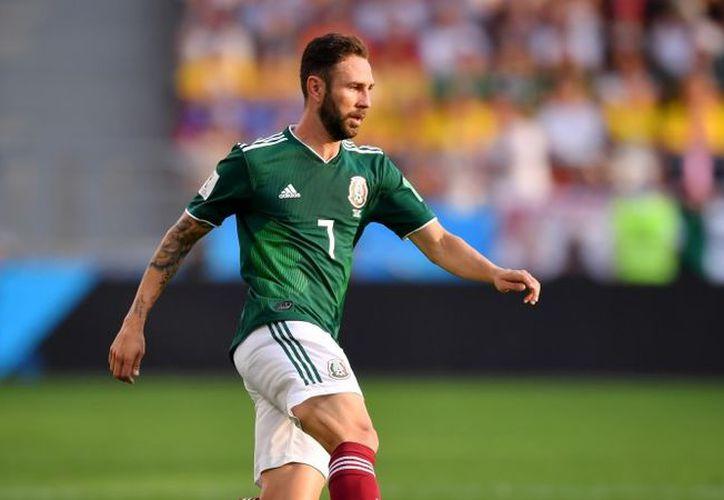 El poco éxito del mexicano fue evidente cuando dejó de ser requerido en los partidos del equipo español. (Televisa Deportes)