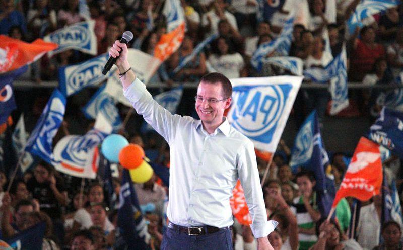 Los simpatizantes abarrotaron la unidad de deportiva de Playa del Carmen para escuchar al candidato presidencial Ricardo Anaya. (Octavio Martínez/SIPSE)
