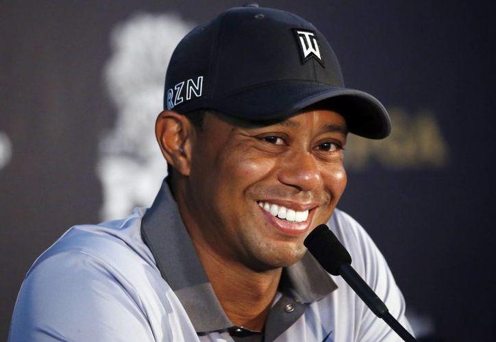 Tiger Woods habla con la prensa después de una ronda de práctica para el PGA Championship, el martes 11 de agosto de 2015, en Haven, Wisconsin. (AP)