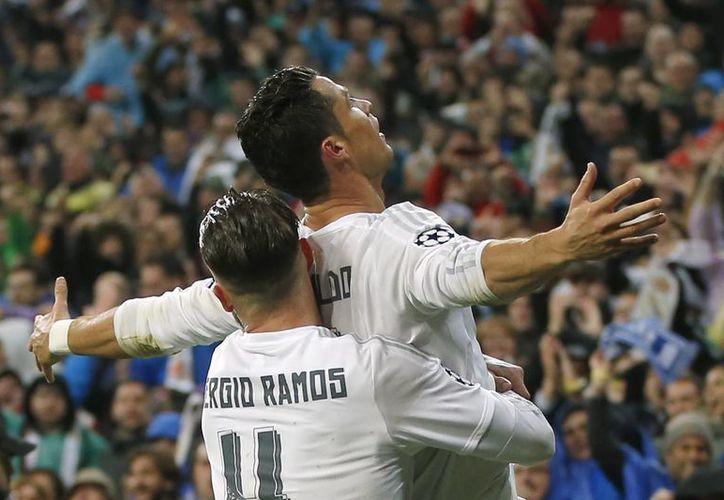 La gran actuación de Cristiano Ronaldo permitió al Real Madrid acceder a las semifinales de la UEFA Champions League. (Imágenes AP)