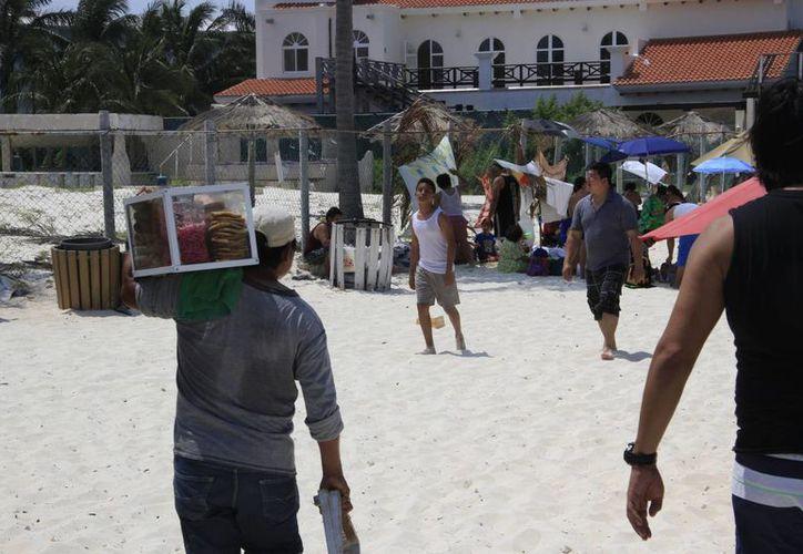 Semarnat da permiso para explotar las zonas de playas. (Tomás Álvarez/SIPSE)