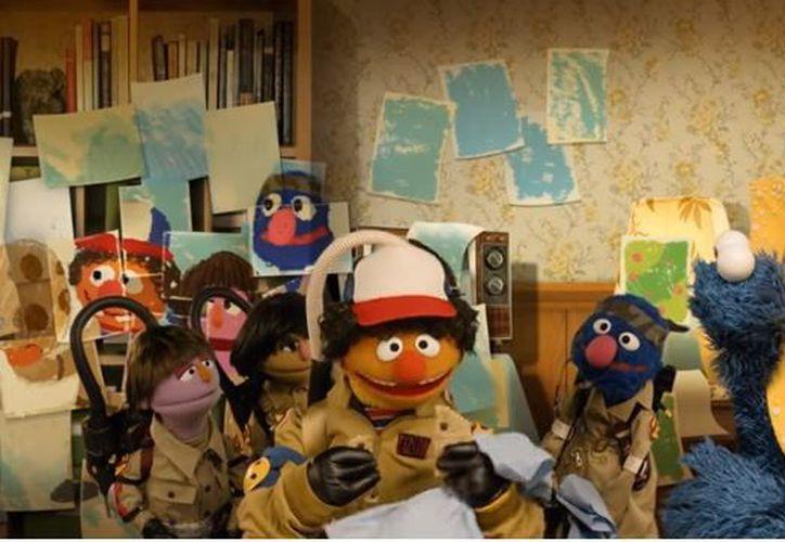 Las emblemáticas marionetas se inspiraron en el mundo de la serie de Netflix. (Foto: Captura)