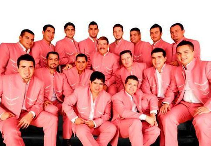Los boletos los pueden adquirir en las taquillas del Salón Sol, ubicado en la Región 100, sobre la López Portillo.  (Internet)