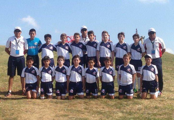 El Colegio Montejo, en Varonil Mayor, cayó en semifinales. (Juan Albornoz/SIPSE)