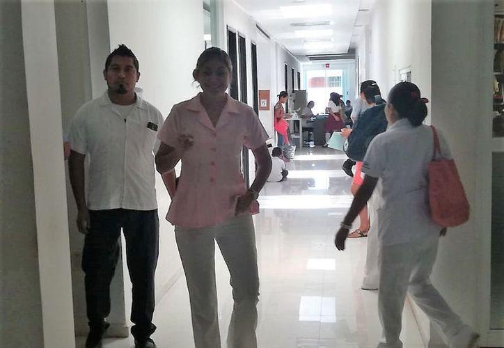 La organización busca realizar encuestas en diversas áreas del Hospital Comunitario de Bacalar. (Javier Ortiz/SIPSE)