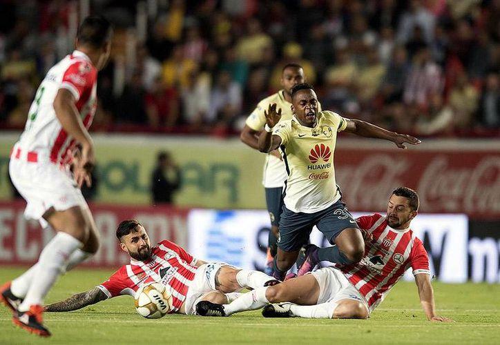 Necaxa no supo sacar provecho de su localía en la ida semifinal contra América en la Liga MX.  (Fotos de mediotiempo.com)