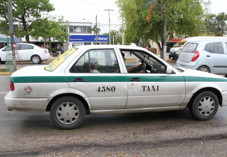 En al menos ocho semanas serán instalados los sistemas de GPS en los taxis de Cancún. (Tomás Álvarez/SIPSE)