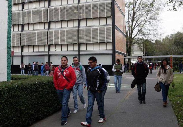 Los estudiantes manifestaron que será un reto ponerse al corriente en las materias. (twitter/@noticiasnetmx)