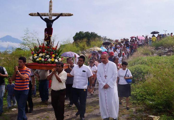 Tras una prolongado análisis, la iglesia católica dio el visto bueno a que los sacramentos se impartan en lenguas propias de Chiapas:  tzotzil y tzeltal. (Archivo Notimex)