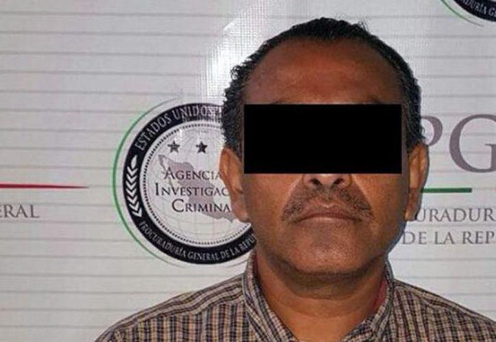 """Detuvieron en el municipio de Acapulco, en Guerrero, a Hugo """"S"""", quien era requerido por el gobierno de los Estados Unidos. (López Dóriga)."""