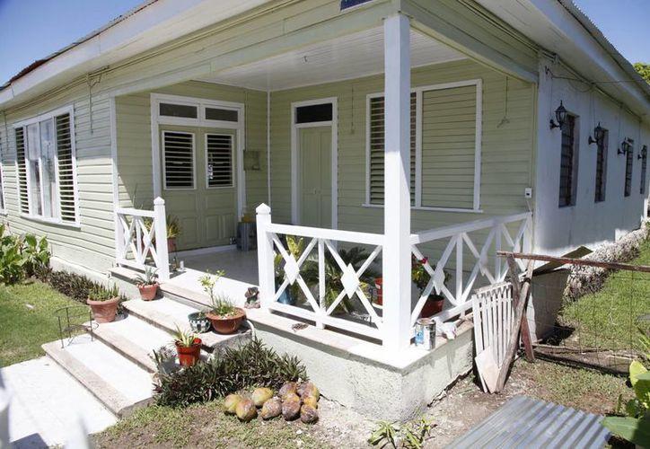 Las casas están consideradas como patrimonio cultural. (Harold Alcocer/SIPSE)