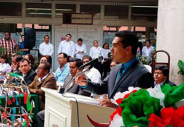 Imagen de archivo del alcalde José Luis Abarca, durante un evento público. El edil decidió suspender la presentación de su segundo informe, tras los hechos violentos entre estudiantes de la Escuela Normal de Ayotzinapa y Policías Municipales. (iguala.gob.mx)