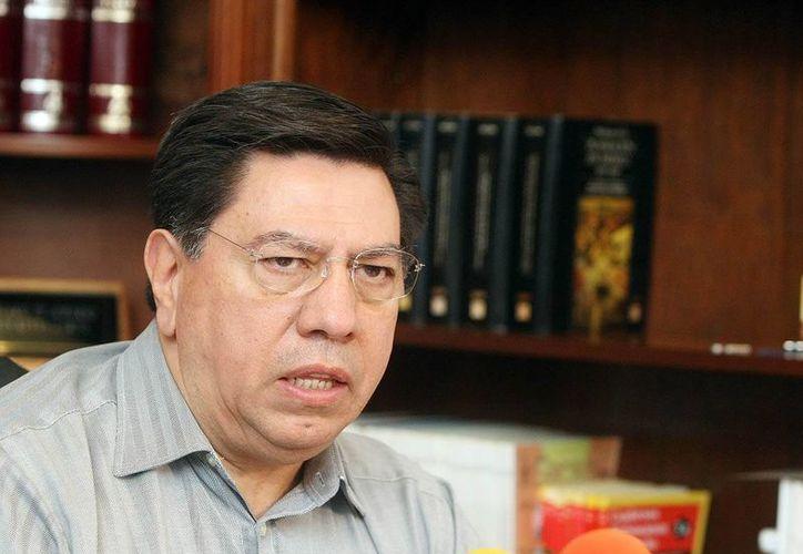 Jesús Reyna (foto) fue arraigado este sábado. Mientras tanto, diputados federales del PRD demandan la separación del gobernador Fausto Vallejo para sujetarlo a investigación. (lajornadamichoacan.com.mx)