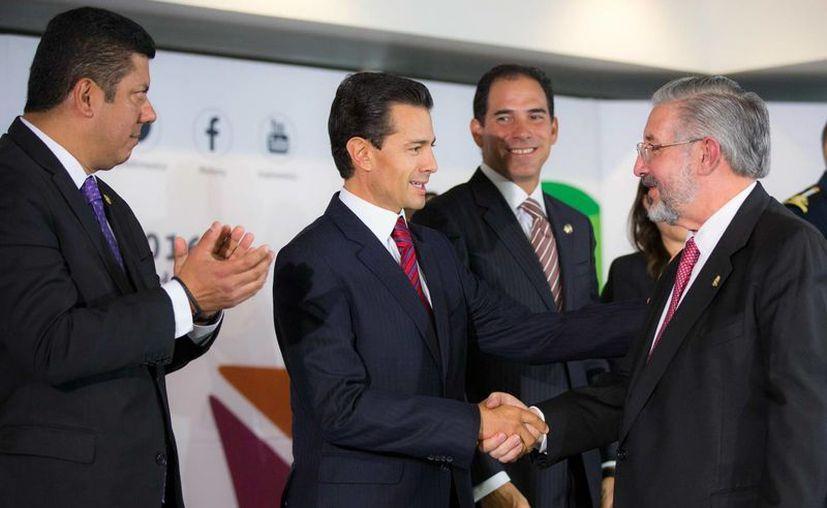 El presidente Enrique Peña Nieto reiteró que el Sistema Anticorrupción es la primera piedra para cambiar el sistema mexicano. (Notimex)