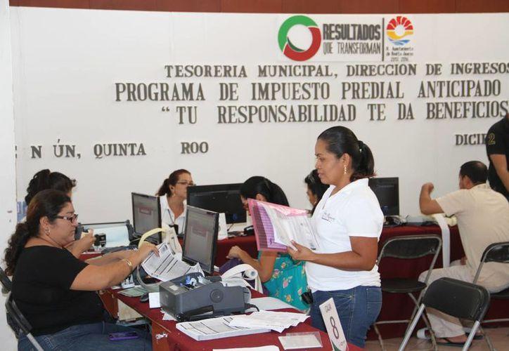 El horario de atención del Ayuntamiento es de 9 a 18 horas. (Tomás Álvarez/SIPSE)