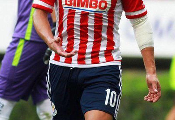 Ángel Reyna, delantero de Chivas, quedó fuera del primer equipo, por motivos desconocidos. (Jammedia)