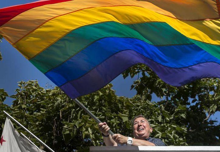 Doce agencias de Naciones Unidas, como la Unesco y la Organización Internacional del Trabajo, piden a los gobiernos del mundo garantizar los derechos básicos de la comunidad LGBTI. (Archivo/AP)