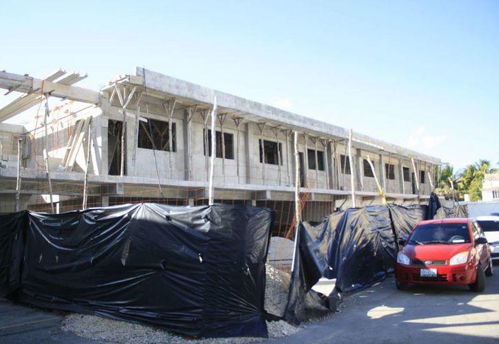 El Ayuntamiento ha solicitado un nuevo estudio al edificio, para constatar el estado que guarda la estructura. (Harold Alcocer/SIPSE)