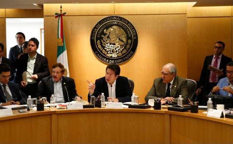 Como primer medida de austeridad se suspenderán viajes internacionales: Mario Delgado
